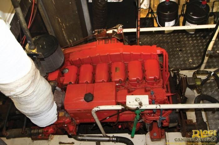Navio com motor Scania (2)